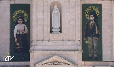 Cent ans après, Francisco et Jacinta, déclarés saint