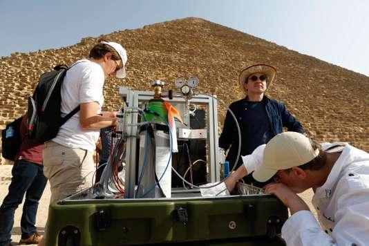Détection d'une grande cavité au cœur de la Pyramide de Khéops