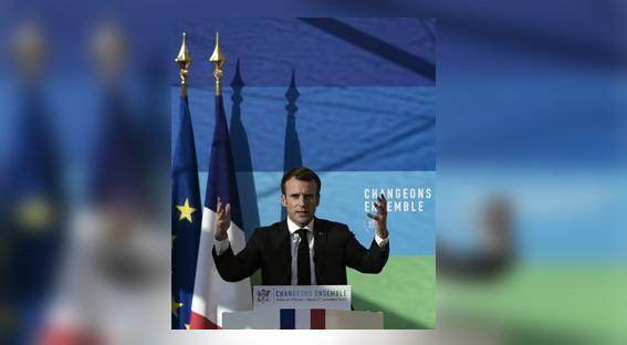 Macron tente de gagner du temps face aux « Gilets jaunes »